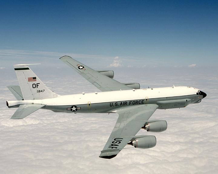 Pentagone : un Su-27 russe aurait intercepté un avion de reconnaissance américain