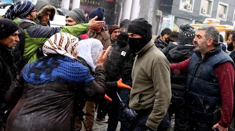 Alors que les heurts se poursuivent en Turquie, la répression fait rage contre les responsables du PKK