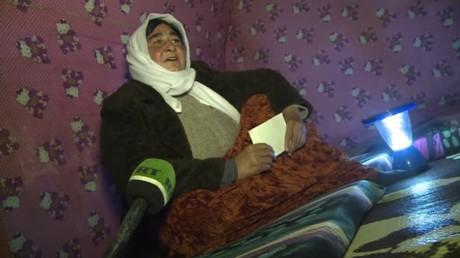 Une femme yézidie lors d'une interview à RT