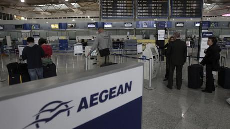 La compagnie Aegean a forcé deux passagers arabes à quitter un de leurs avions.