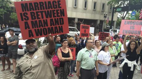 Etats-Unis :  le président de la Cour suprême d'Alabama veut à tout prix bloquer le mariage gay