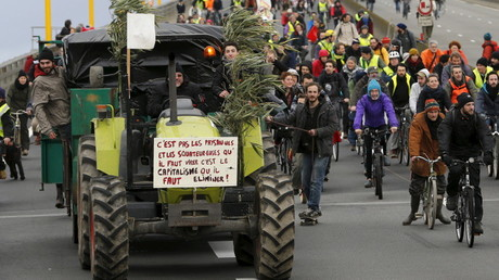 La manifestation sur le périphérique de Nantes.