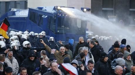 Les manifestants de PEGIDA manifestaient contre les agressions sexuelles du Nouvel An à Cologne