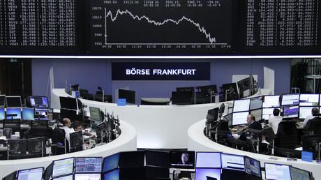 Une descente de police chez Renault et le risque de Brexit stressent les marchés européens