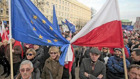 Une protestation contre le gouvernement polonais à Poznan