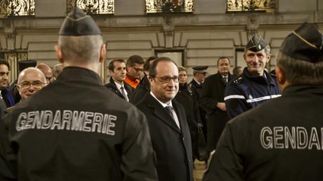 François Hollande et les forces de police