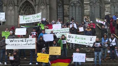 les Syriens à Cologne manifestent contre le harcèlement sexuel