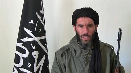 Capture d'écran d'une vidéo de Mokhtar Belmokhtar en 2013