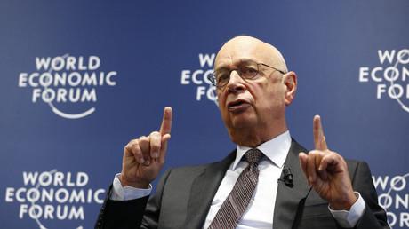 Fondateur du forum de Davos : les prix bas du pétrole causeront une plus grande migration qu'en 2015