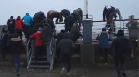 Calais : des réfugiés prennent d'assaut à un ferry britannique