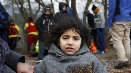 Une petite fille irakienne sur l'île de Lesbos, en Grèce, le 22 janvier 2016