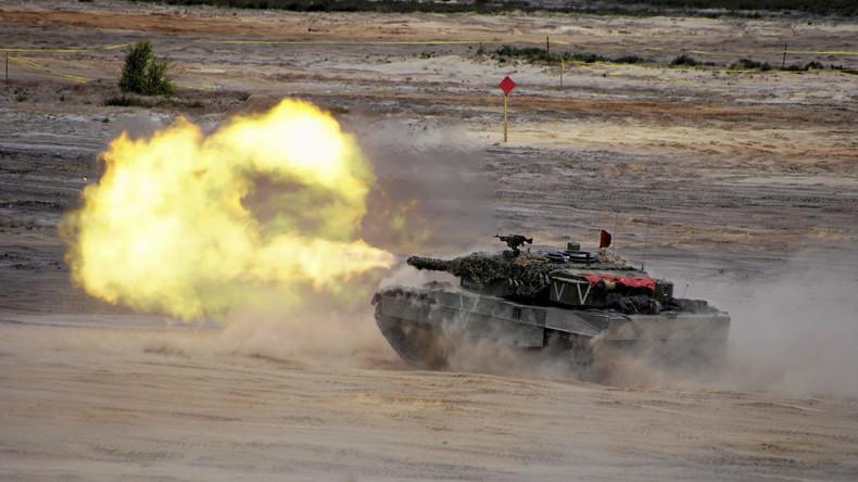Des unités militaires de pays membres de l'OTAN participent à l'exercice Jump Noble à Swietoszow, Pologne, le 18 juin à 2015