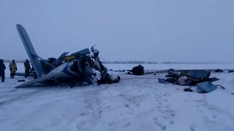 trois morts dans le crash d 39 un avion an 2 dans le sud de la russie video rt en fran ais. Black Bedroom Furniture Sets. Home Design Ideas