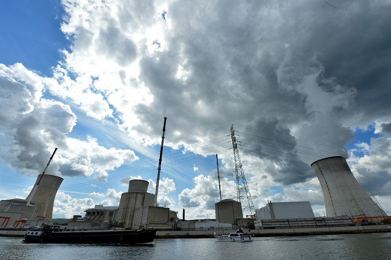Les terroristes de Paris ont-ils espionné la Belgique en vue d'une attaque nucléaire ?