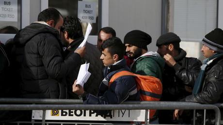 Des migrants à la frontière entre la Serbie et la Macédoine, le 2 février 2016