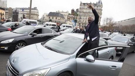 EN CONTINU : les chauffeurs VTC veulent être reçus à Matignon