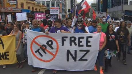 Des manifestants anti-TTP à Auckland.