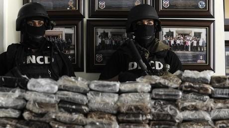Les forces spéciales dominicaines après la saisie en 2013