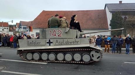 Un char pas comme les autres a défilé lors de ce carnaval allemand
