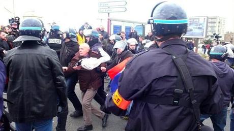 L'arrestation du général Christian Piquemal, capture d'écran du compte Twitter @_max_cbn