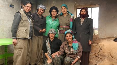 Des femmes combattantes kurdes