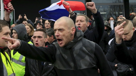Les manifestants anti-migrants le 6 février à Calais