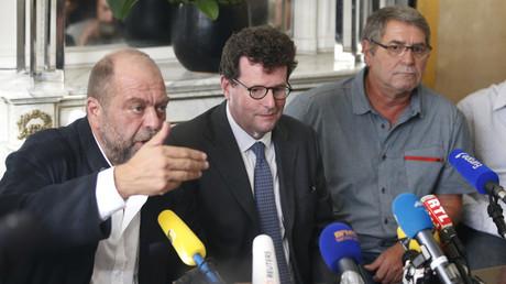 Pascal Ferret et son avocat lors d'une conférence de presse