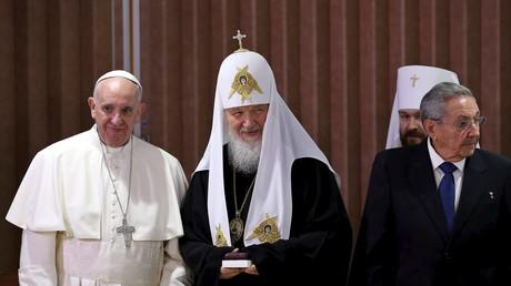 Le Pape François, le Patriarche Cyrille et le président cubain Raul Castro