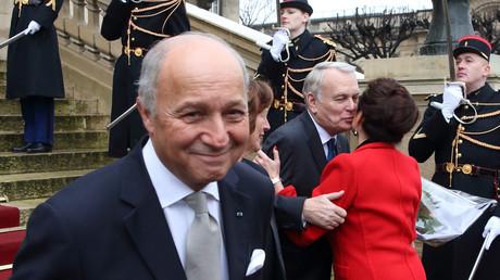 Après la polémique sur son cumul, Laurent Fabius annonce qu'il renonce à la présidence de la COP21