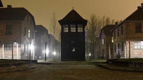 L'expression «camps de la mort polonais» pourra être corrigée, une application y veille