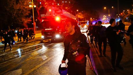 Arrivée des secours, lors de l'attentat du 17 février