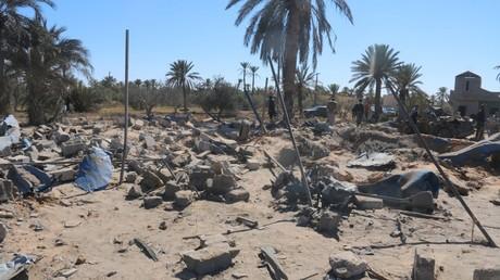 Dégâts après les bombardements des avions américains contre Daesh à Sabratha, en Libye, le 19 février 2016.