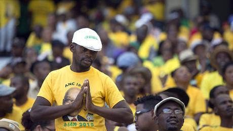 Des partisans de l'ANC lors des célébrations du 103ème anniversaire du parti le 10 janvier 2015 à Cape Town