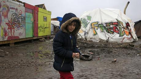 Dans la Jungle de Calais, les migrants sont dans l'attente du jugement