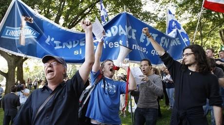 Des manifestants pour l'indépendence du Québec à Montréal