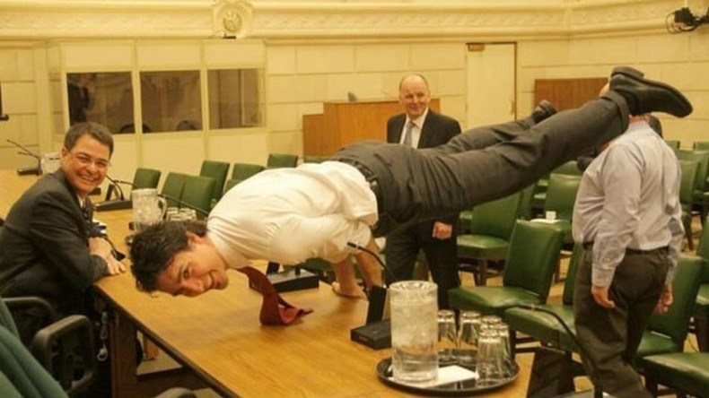 Une photo du premier ministre canadien justin trudeau for Articles de cuisine trudeau