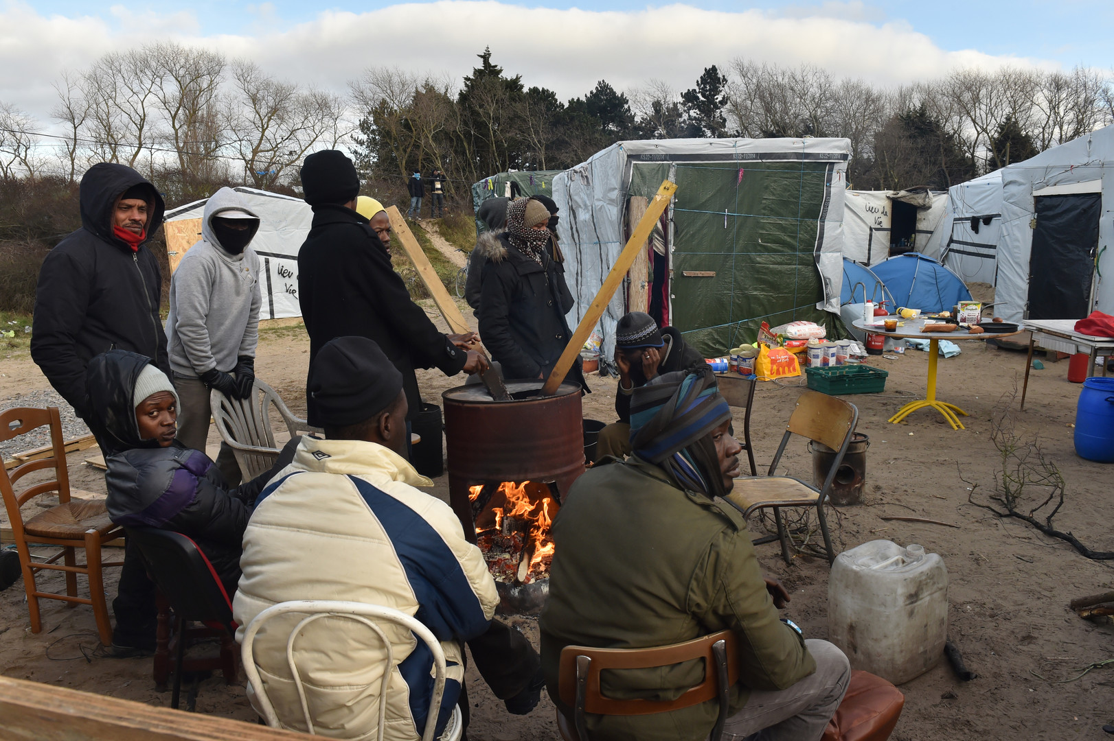 Evacuation de Calais : violents affrontements, les No Borders en ligne de mire (VIDEOS, PHOTOS)