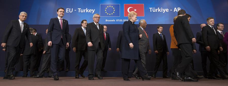 Un tour de passe-passe ? Les chefs de l'UE parlent d'un avancée vers un accord sur les réfugiés