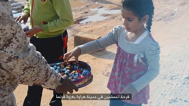 Syrie : Daesh célèbre les attentats de Bruxelles en offrant des bonbons aux enfants