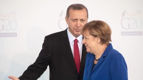 Le président turc Recep Tayyip Erdogan et la chancelière allemande Angela Merkel au sommet du G20 à Ankara, le 15 novembre 2015