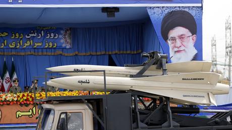 Parade militaire lors du Jour de l'Armée le 18 avril 2014 en Iran