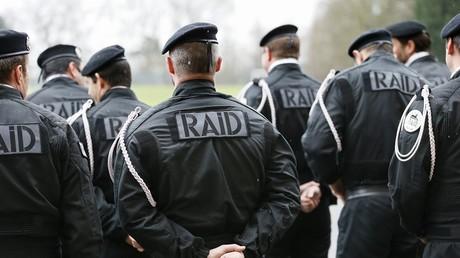 Arrestation mouvementée d'un forcené retranché chez lui à Enghien-les-Bains (Val d'Oise)