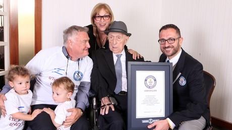 Yisrael Kristal avec sa famille