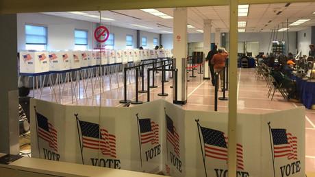 Elections américaines dans cinq Etats : Trump et Clinton de nouveau en tête des primaires
