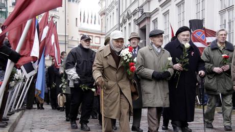 Participants à la manifestation de vétérans SS à Riga