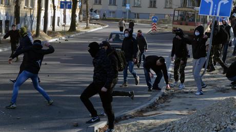 Des manifestants d'extrême-droite ont perturbé le festival qui a du être annulé ce samedi 19 mars 2016