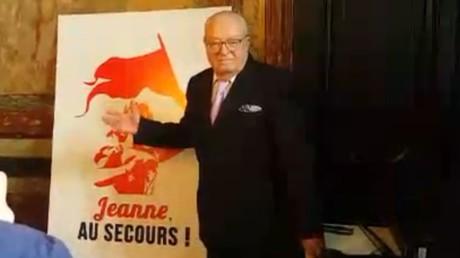 Jean-Marie le Pen présente le comité«Jeanne, au secours !»