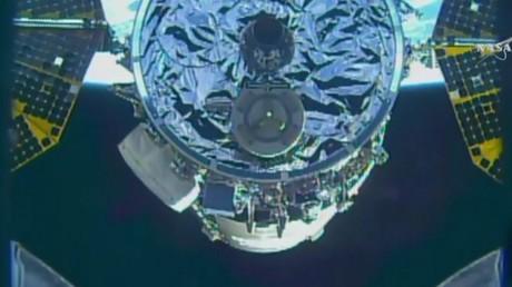 Complément de provisions : un cargo s'amarre à la Station spatiale internationale