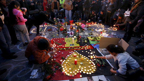 Recueillement Place de la Bourse à Bruxelles après les attentats du mardi 22 mars dernier