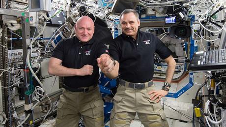 Malgré l'interdiction, les occupants de l'ISS ont parlé politique